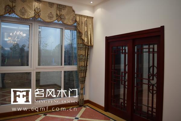 重庆名风木门打造豪华展厅,让人沉迷其中